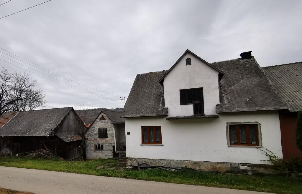 Dom z gruntem rolnym – Bieńkówka