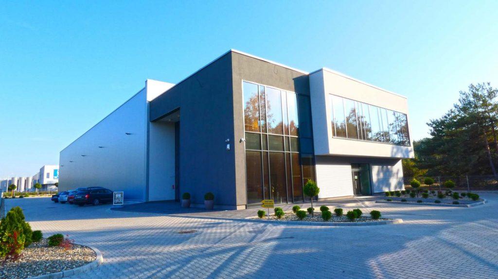 Myślenice Hala 1000 m2